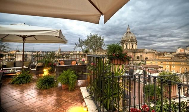 Vendita hotel 4 stelle in palazzo barocco nel centro for Hotel 4 stelle barcellona centro